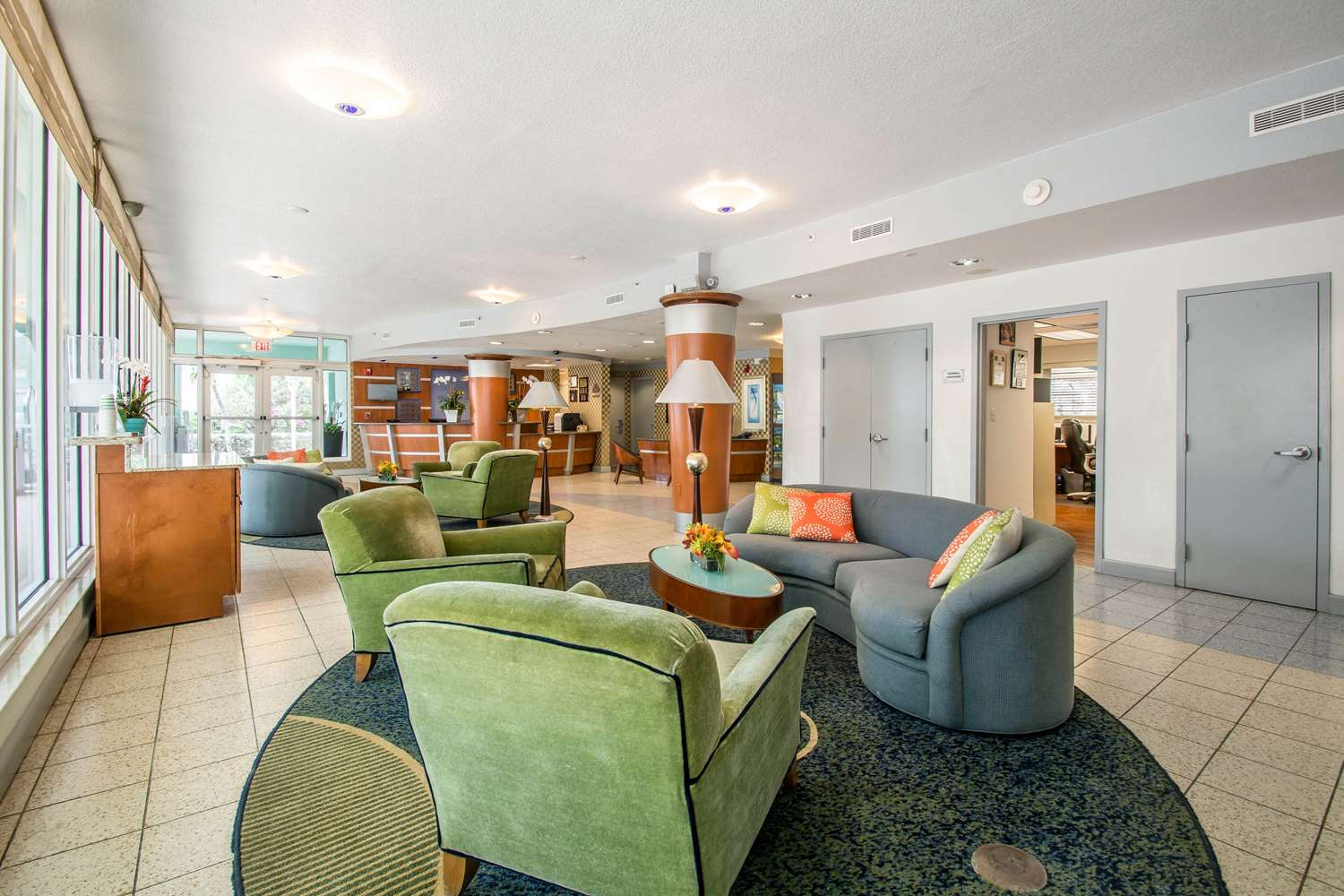 Lobby - Solara Surfside Resort by Bluegreen Vacations