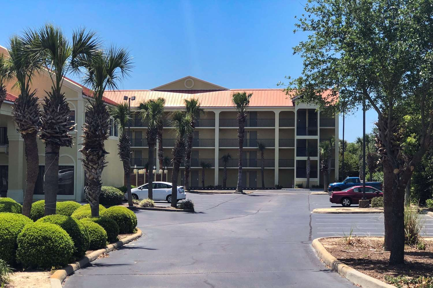 Exterior view - Quality Inn & Suites Miramar Beach