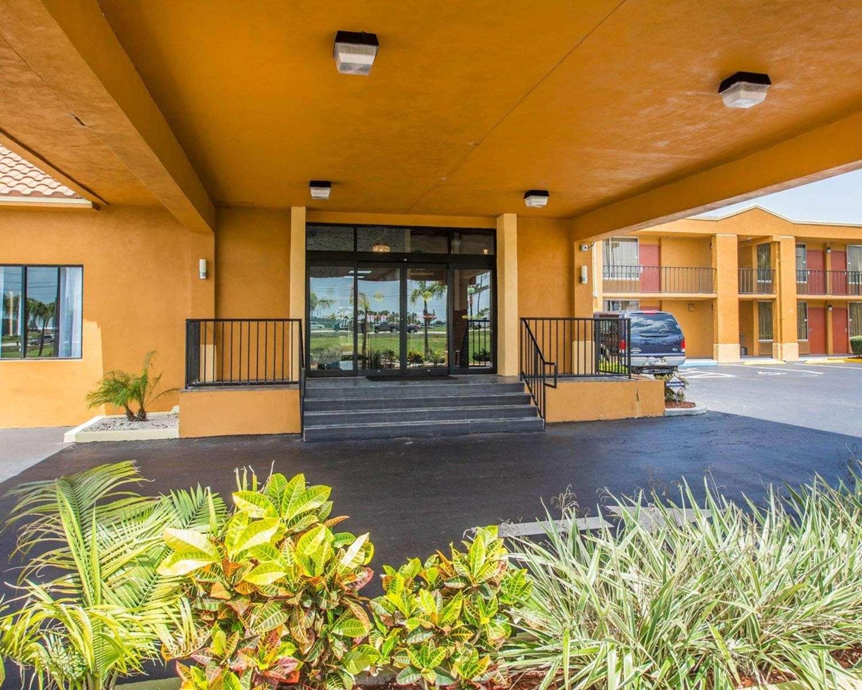 Exterior view - Quality Inn Maingate South Davenport