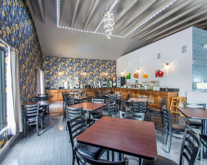 Restaurant - Quality Inn Maingate South Davenport