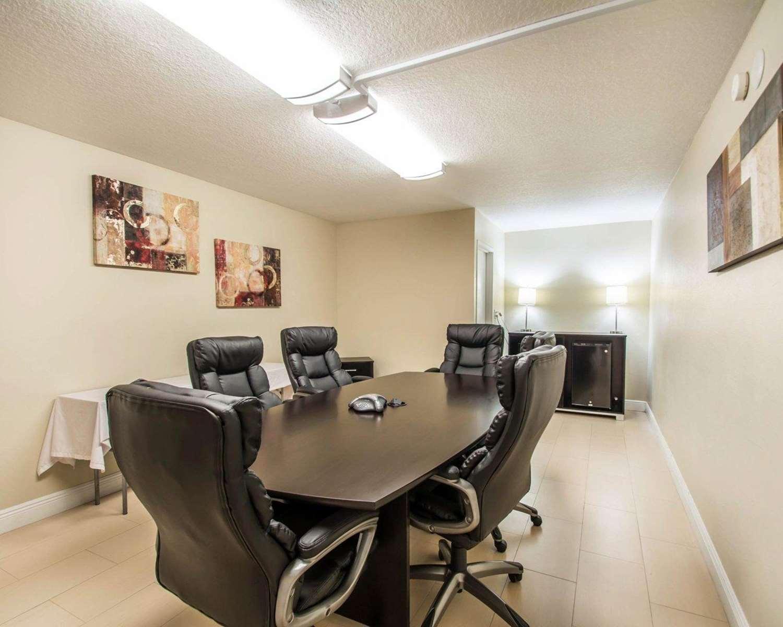 Meeting Facilities - Quality Inn Maingate South Davenport