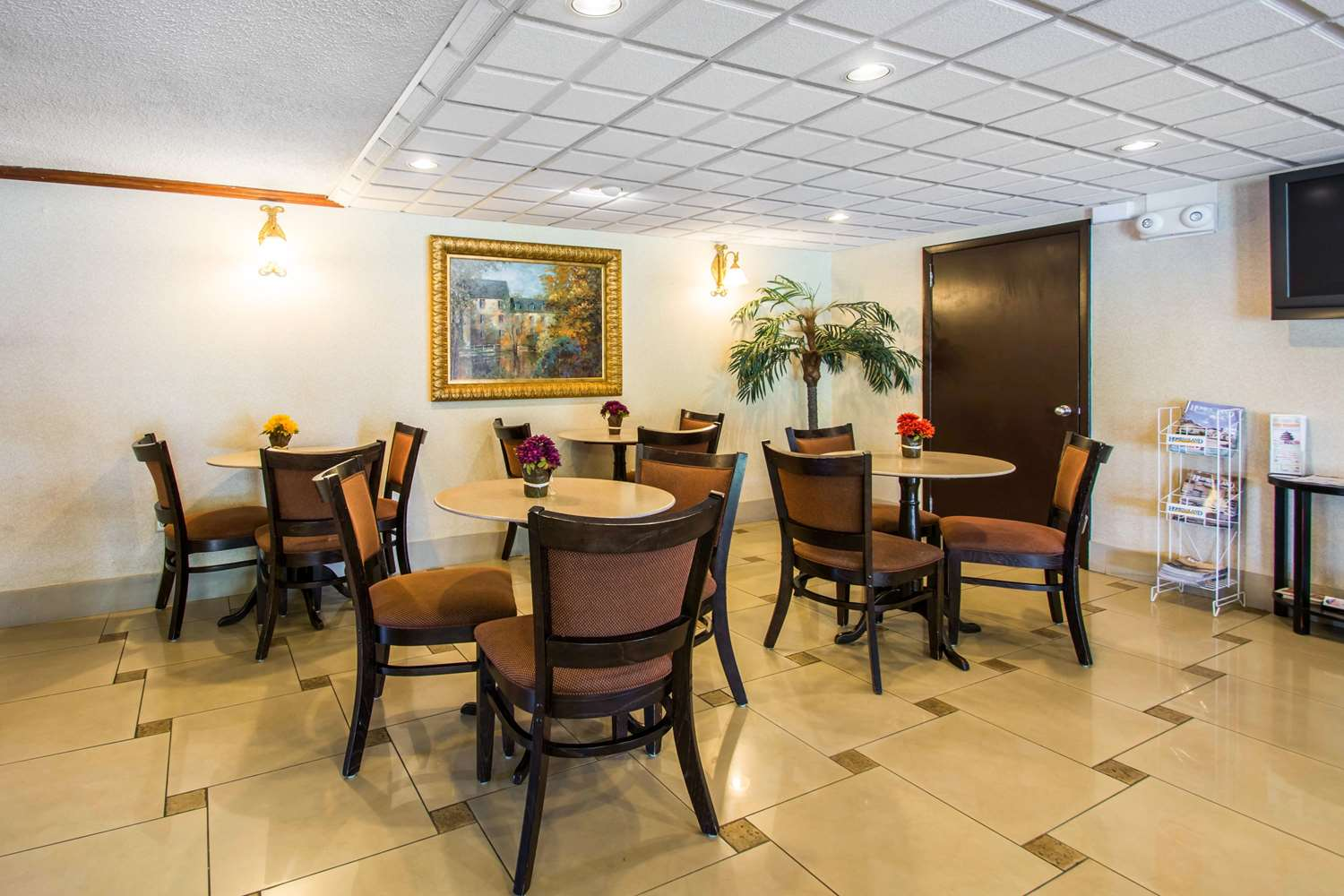 Restaurant - Econo Lodge Airport Jacksonville
