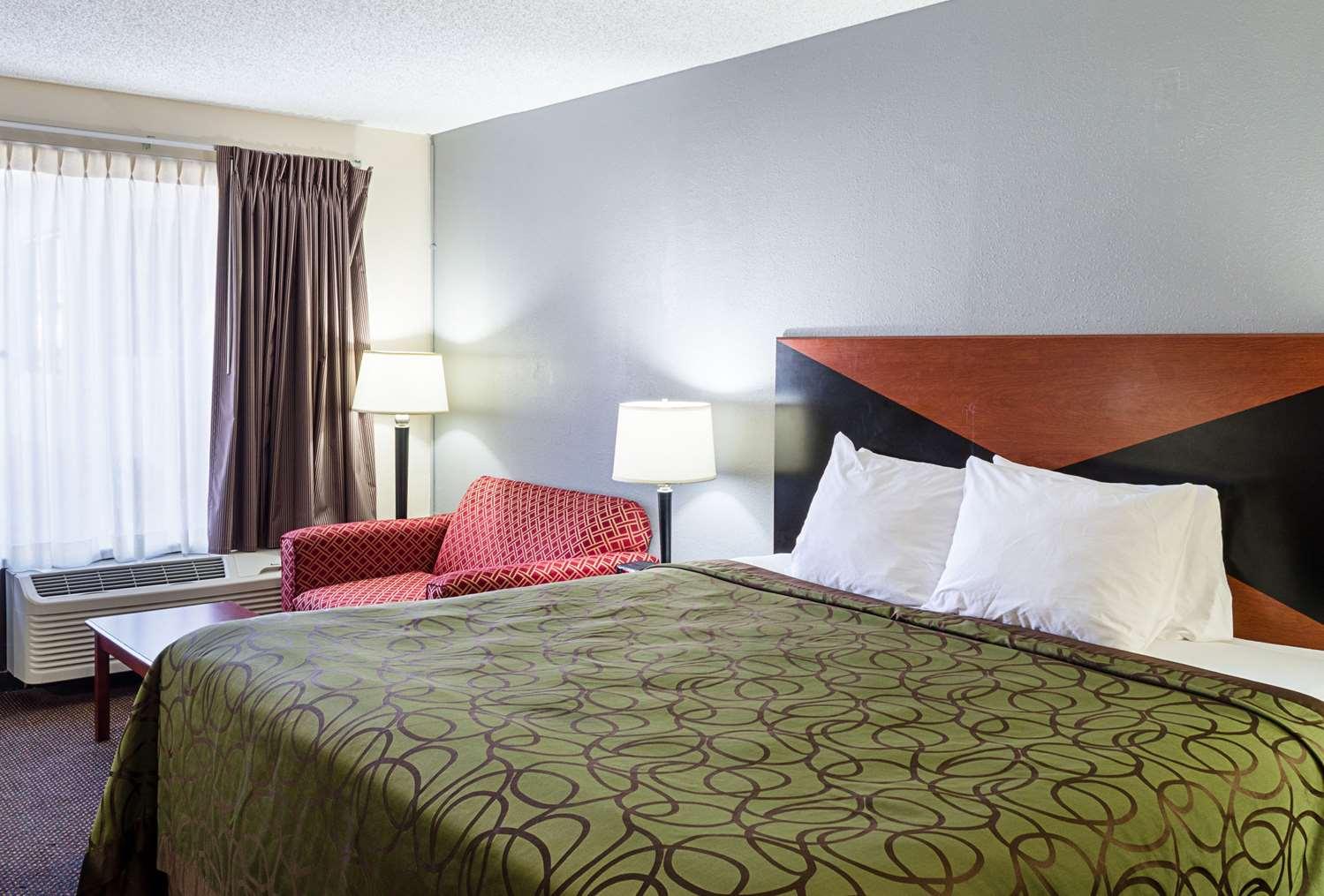 Room - Rodeway Inn Panama City