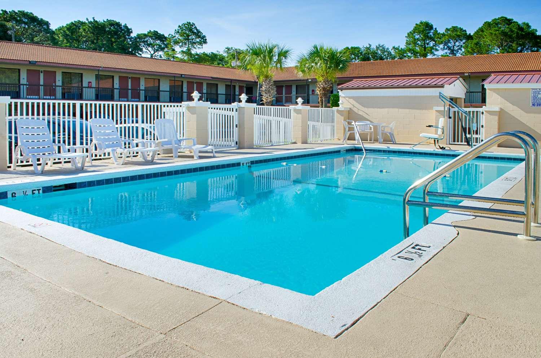 Pool - Rodeway Inn Panama City