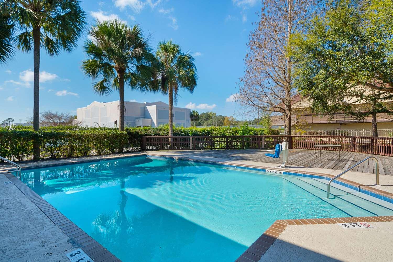 Pool - Rodeway Inn Busch Gardens Tampa