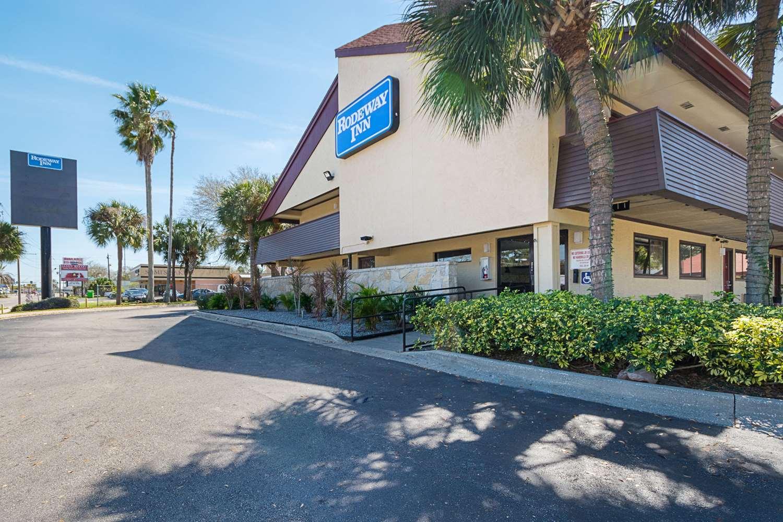 Exterior view - Rodeway Inn Busch Gardens Tampa