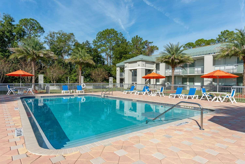 Pool - Quality Inn I-75 Gainesville