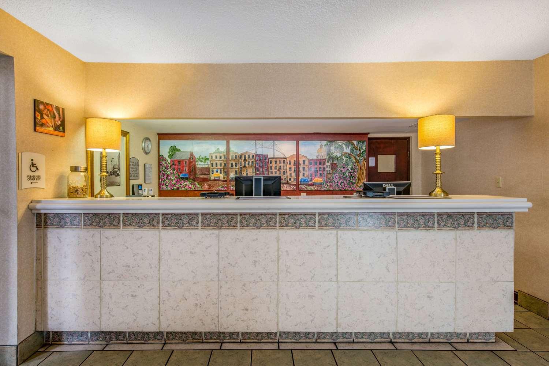 Lobby - Quality Inn Historic District Savannah