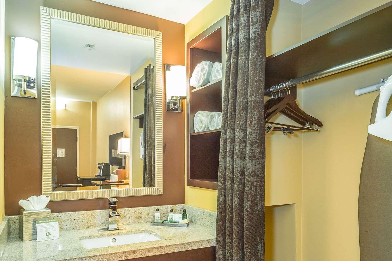 Room - Inn at the Peachtrees Atlanta