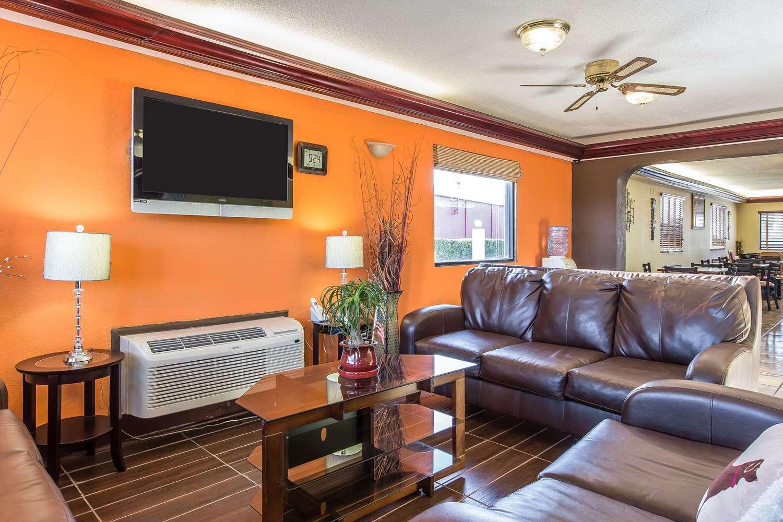 Lobby - Quality Inn & Suites Macon