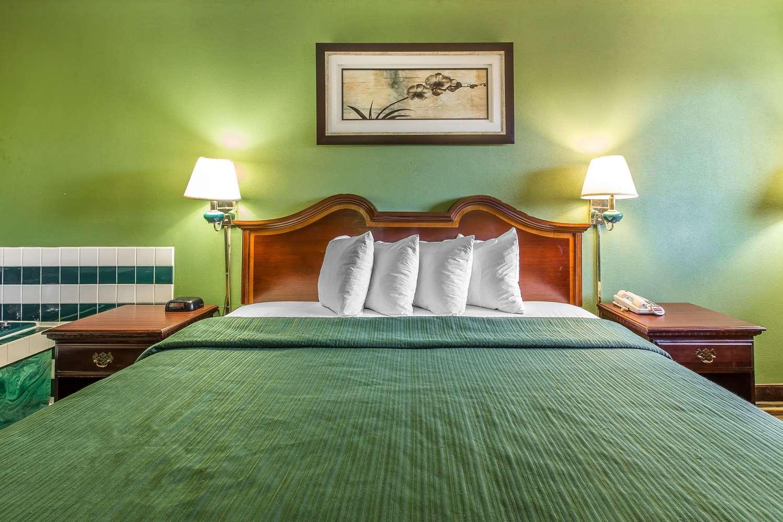 Suite - Quality Inn & Suites Macon