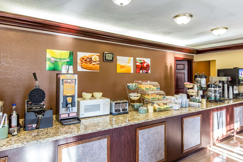 Restaurant - Quality Inn & Suites Macon