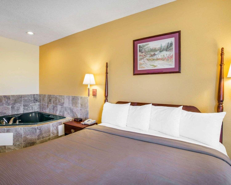 Suite - Quality Inn Jefferson