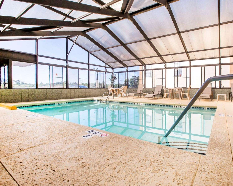 Pool - Quality Inn Jefferson
