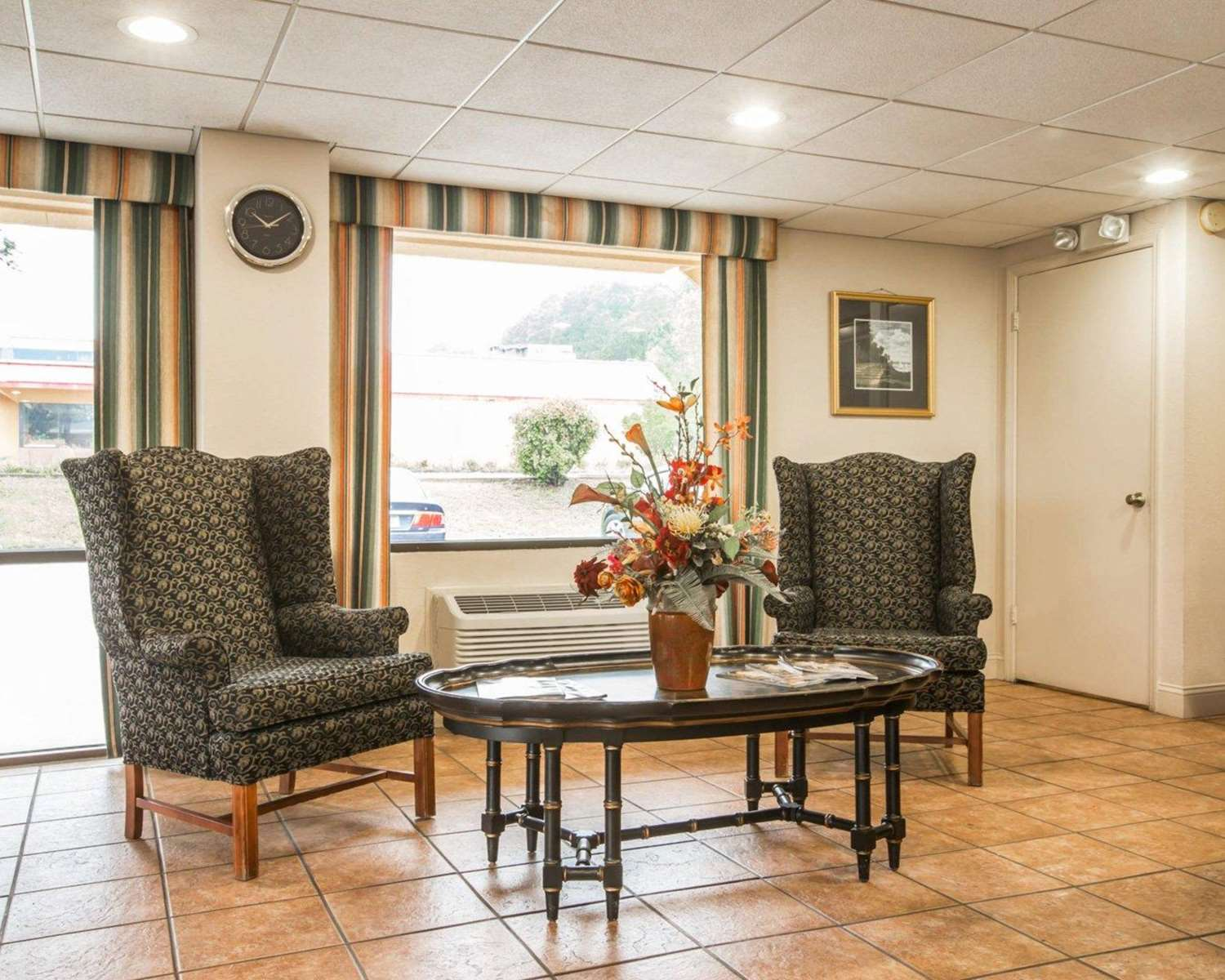 Lobby - Econo Lodge Fort Benning Columbus