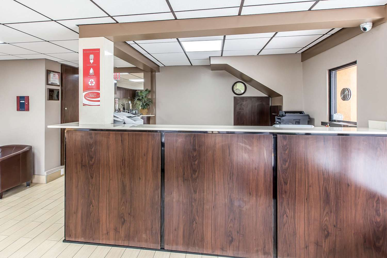 Lobby - Econo Lodge Southside Savannah