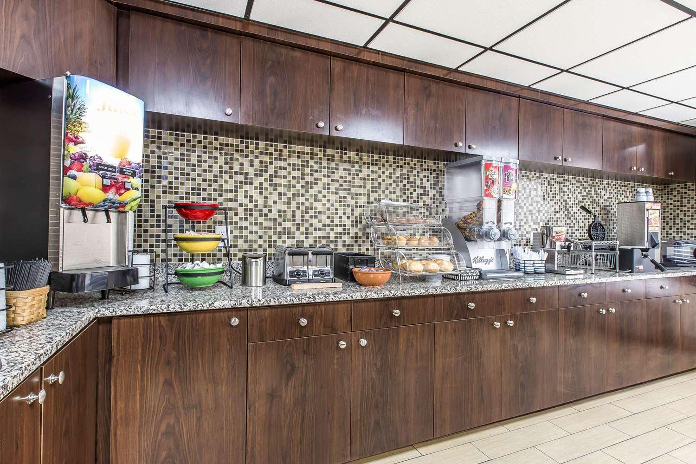 Restaurant - Econo Lodge Southside Savannah