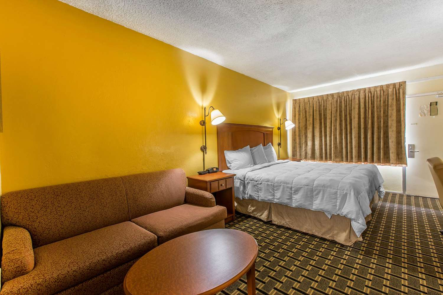 Room - Econo Lodge Old Macon Road Byron