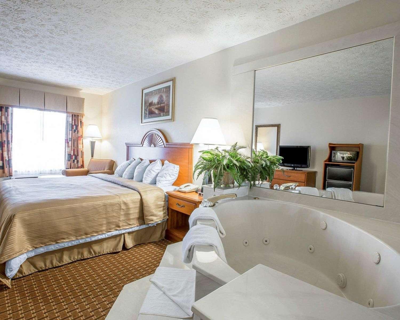 Room - Quality Inn Dahlonega