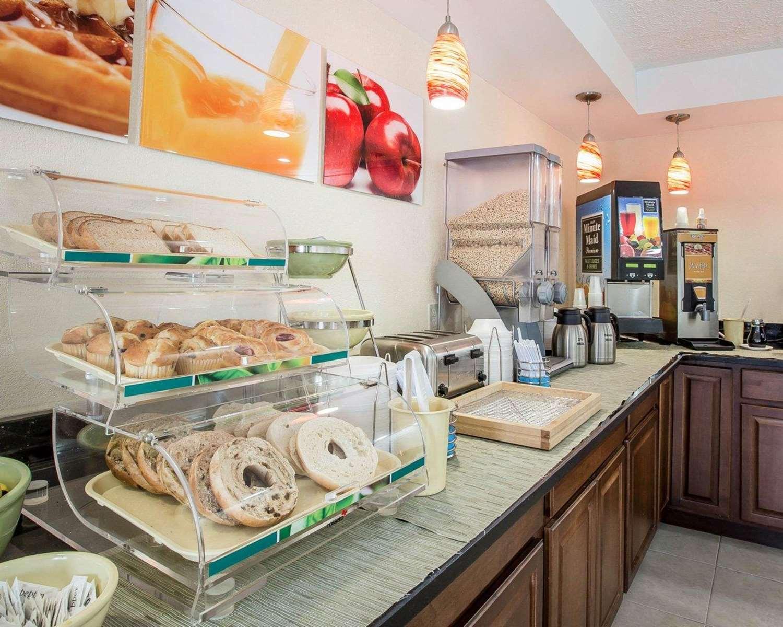 Restaurant - Quality Inn Dahlonega
