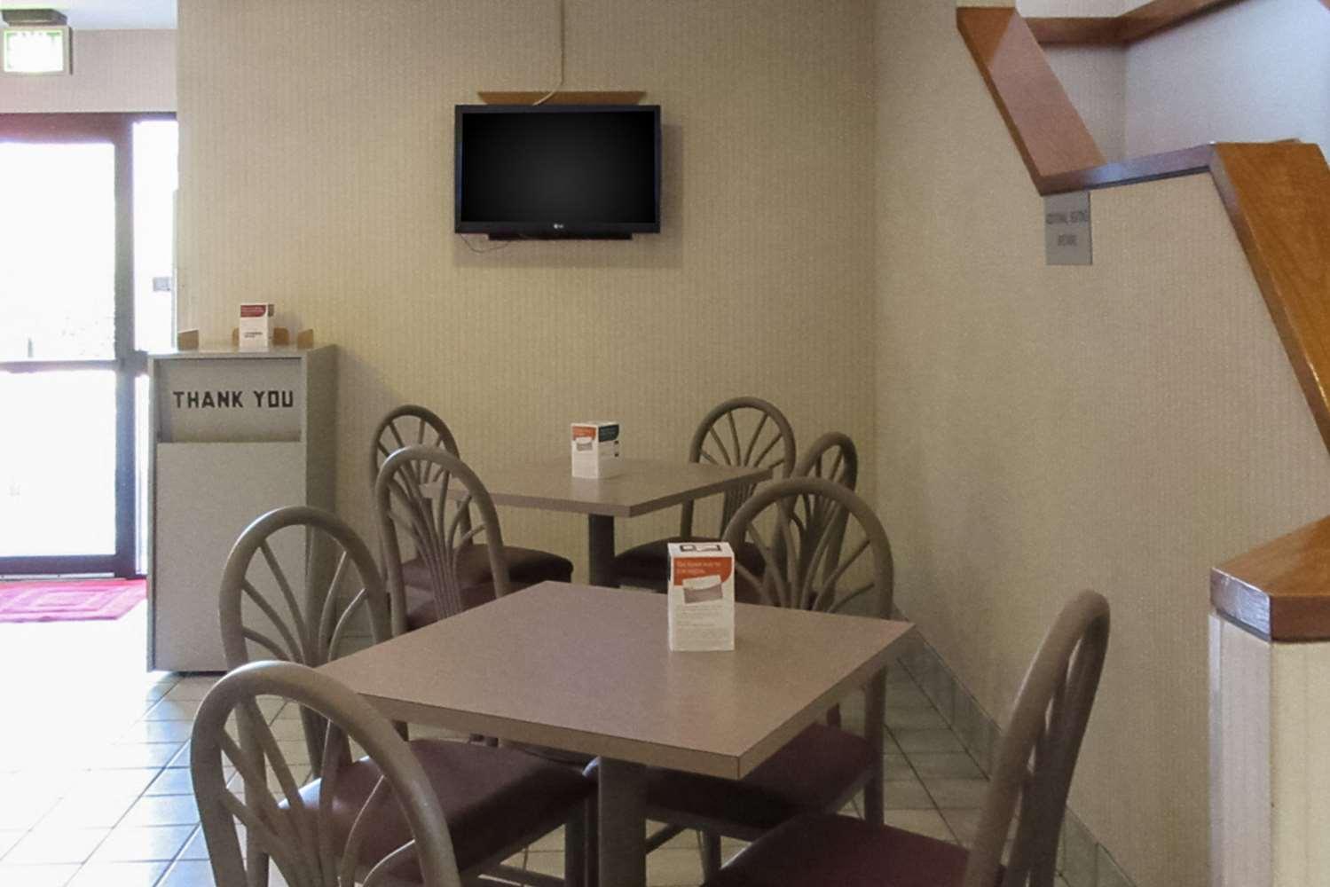 Restaurant - Rodeway Inn Lavonia
