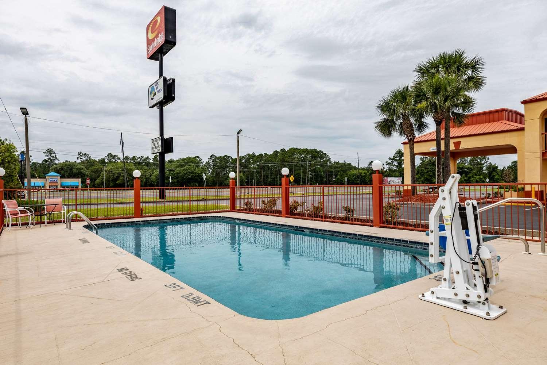 Pool - Econo Lodge Kingsland