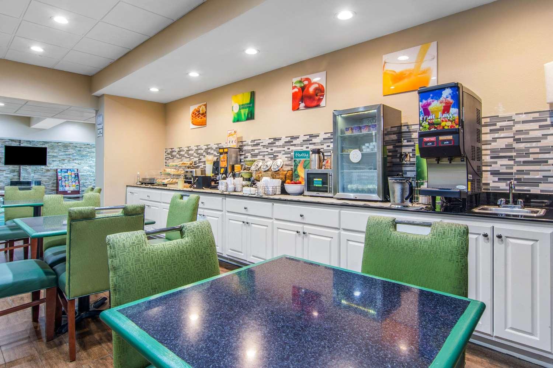 Restaurant - Quality Inn Union City