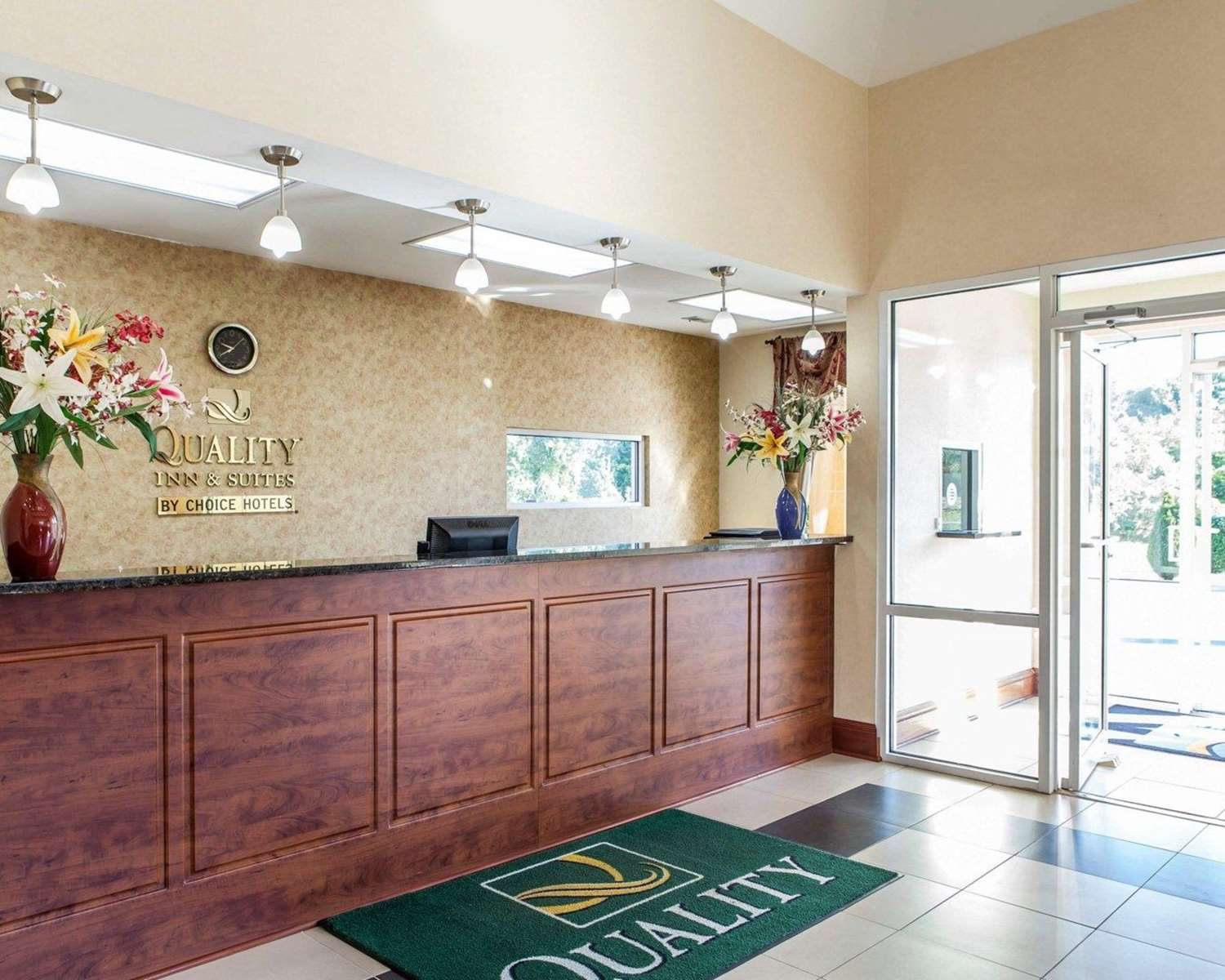 Lobby - Quality Inn & Suites Cartersville