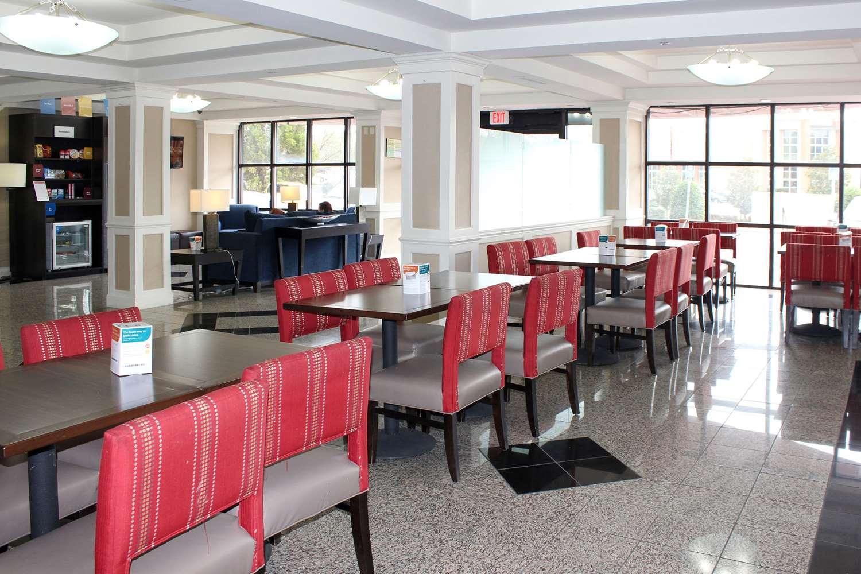 Restaurant - Comfort Suites Tucker