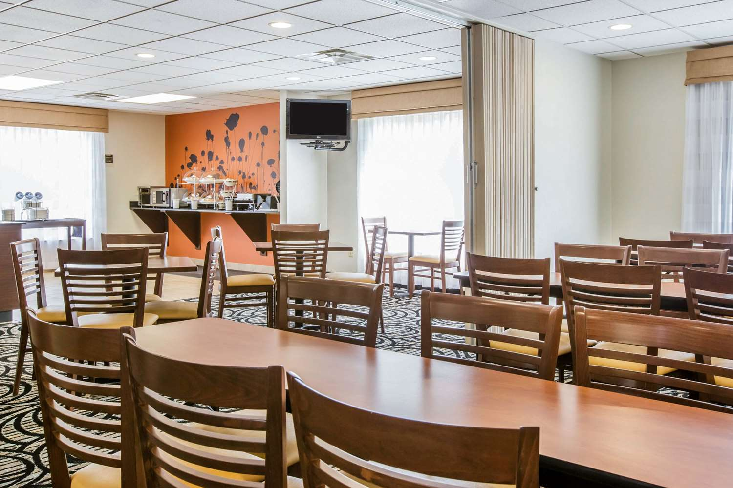 Restaurant - Sleep Inn & Suites Valdosta
