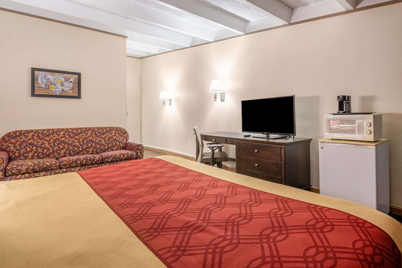 Suite - Econo Lodge Perry