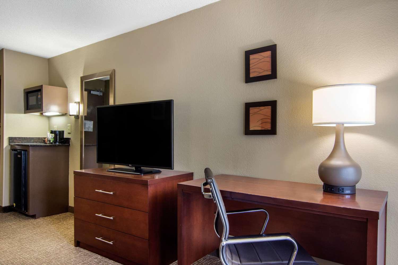Room - Comfort Inn North Atlanta