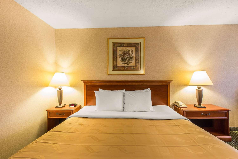 Room - Quality Inn & Suites McDonough