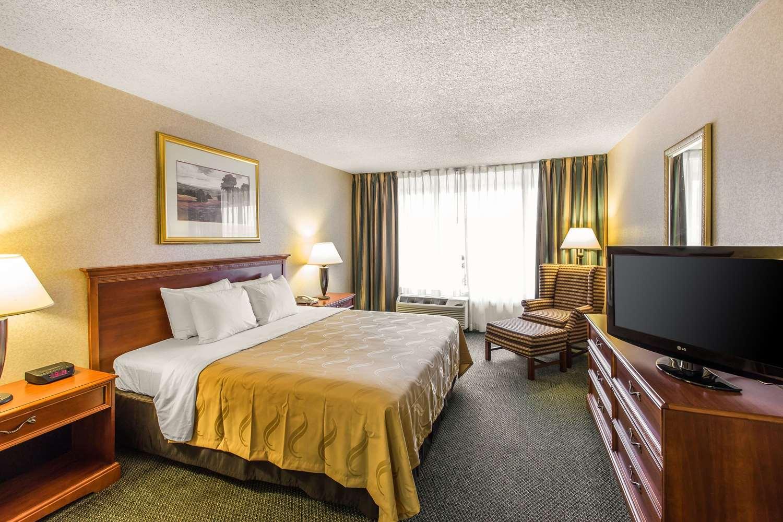 Suite - Quality Inn & Suites McDonough