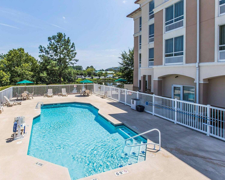 Pool - Comfort Suites Valdosta