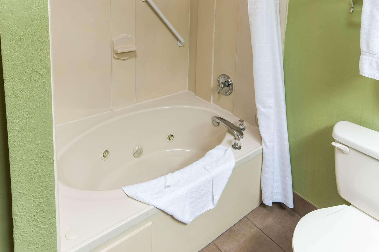 Comfort Suites Milledgeville Ga See Discounts