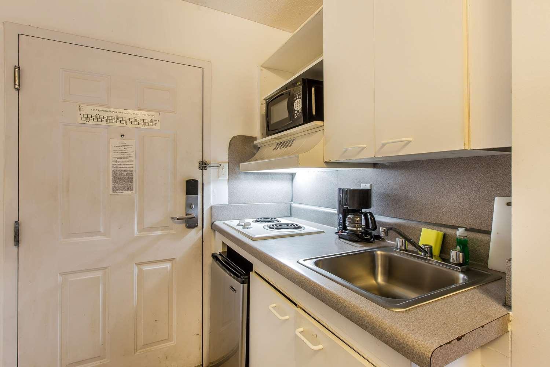 Room - Suburban Extended Stay Hotel Savannah
