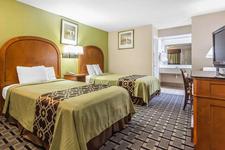 Room - Rodeway Inn Augusta