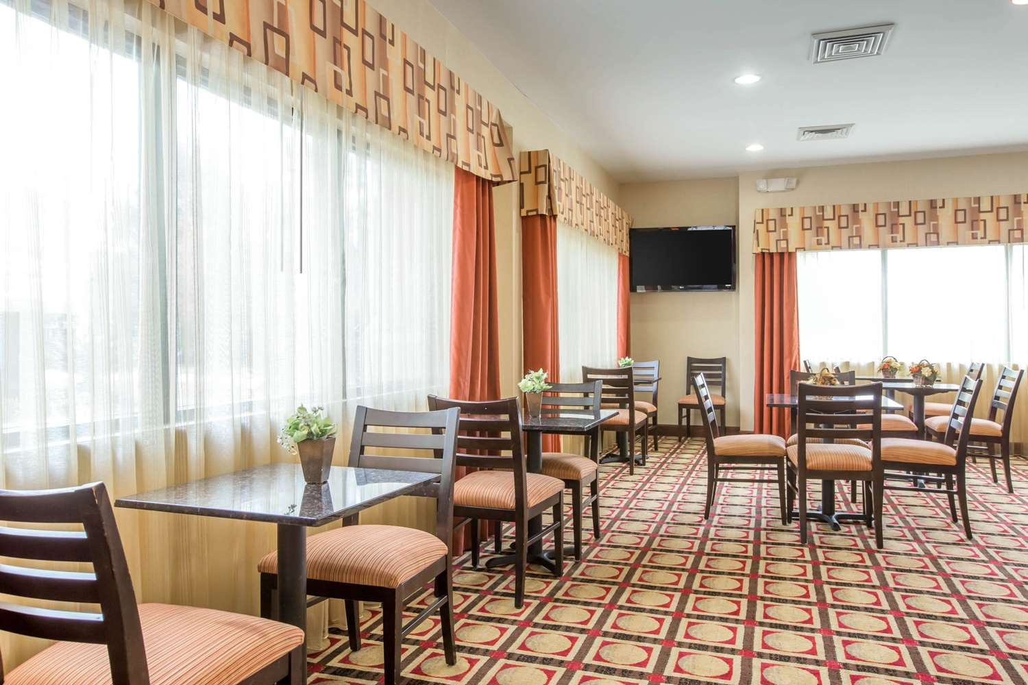 Restaurant - Comfort Suites Gateway Brunswick