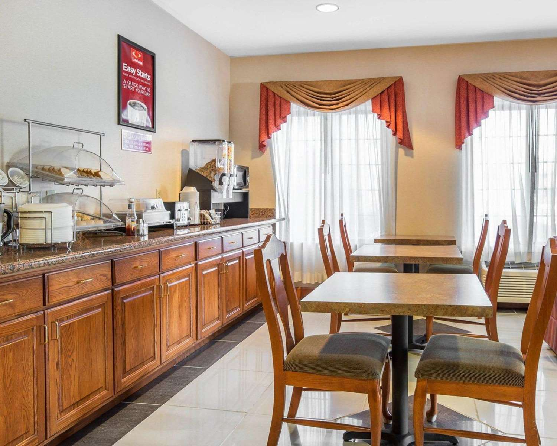 Restaurant - Econo Lodge Brunswick