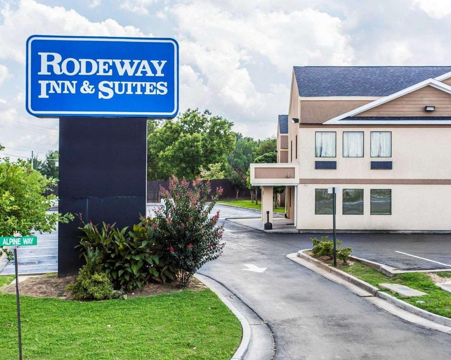 Exterior view - Rodeway Inn Forest Park