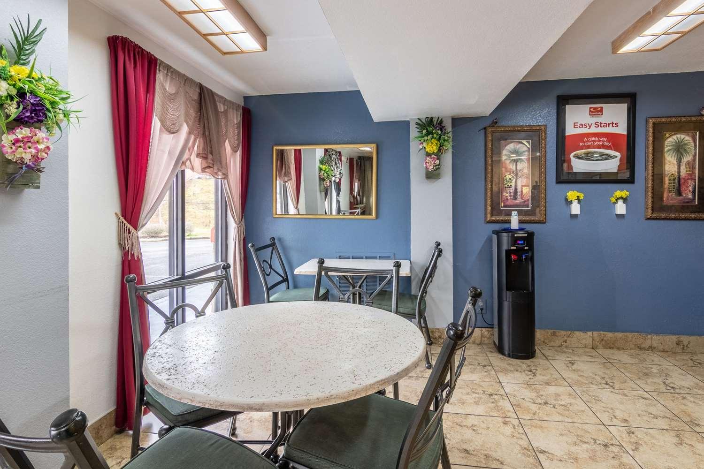 Restaurant - Econo Lodge Inn & Suites Wesleyan Macon