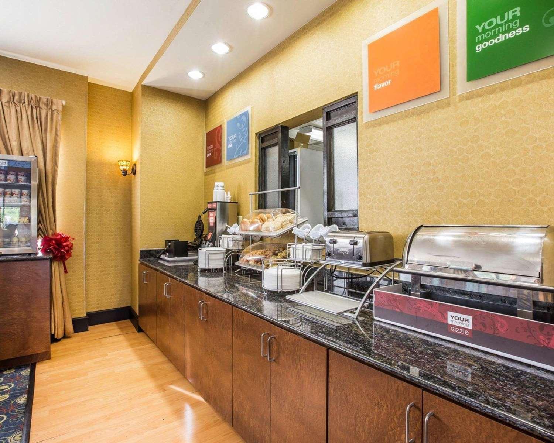 Restaurant - Comfort Suites Macon