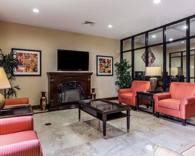 Lobby - Comfort Suites Waycross
