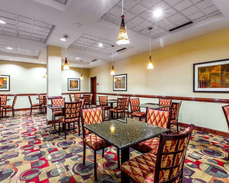 Restaurant - Comfort Suites Waycross