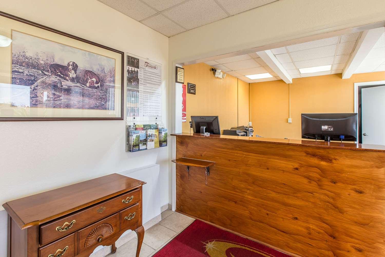 Lobby - Econo Lodge Thomasville