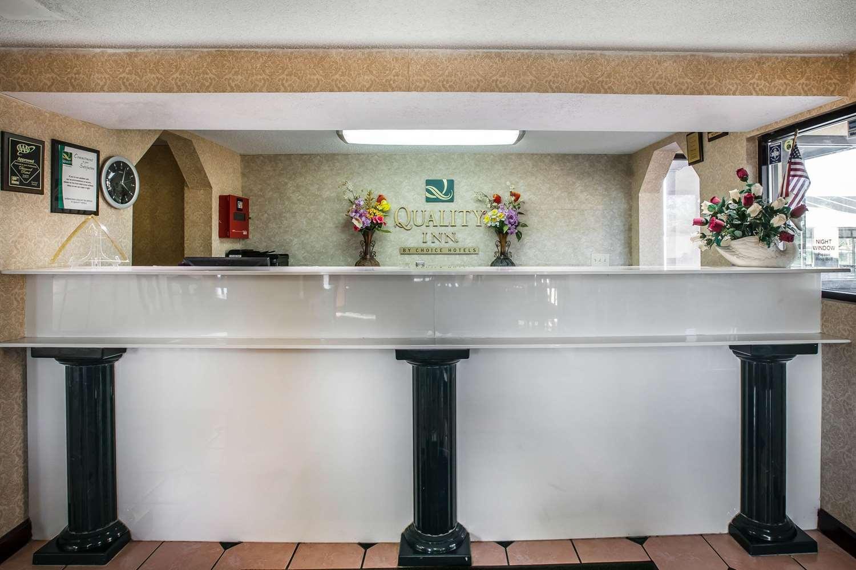 Lobby - Quality Inn Byron