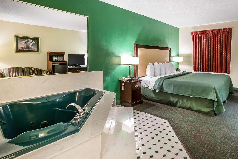 Room - Quality Inn Byron