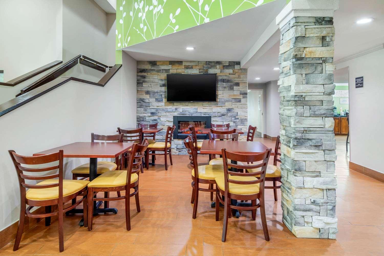 Restaurant - Sleep Inn North Macon