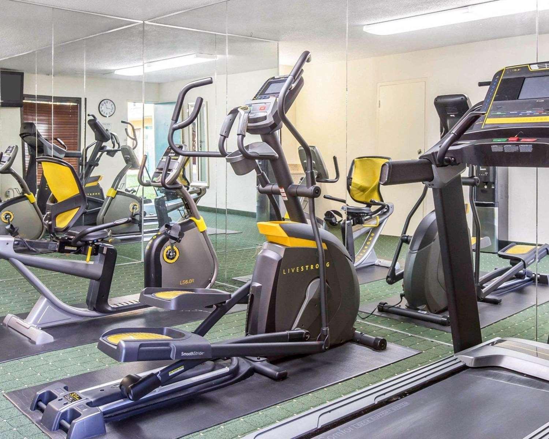 Fitness/ Exercise Room - Quality Inn Macon